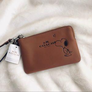 Coach X Snoopy Corner Zip Wallet